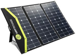 Im Oldtimer eine Solaranlage nachrüsten: Solartasche