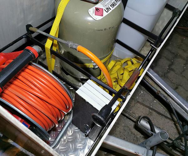 Wohnwafgen restaurieren: Gaskasten erneuert