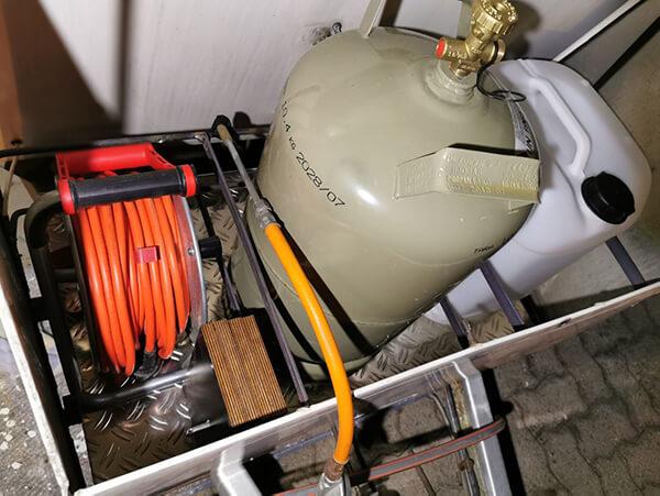 Wohnwagen restaurieren: Gaskasten neu aufbauen