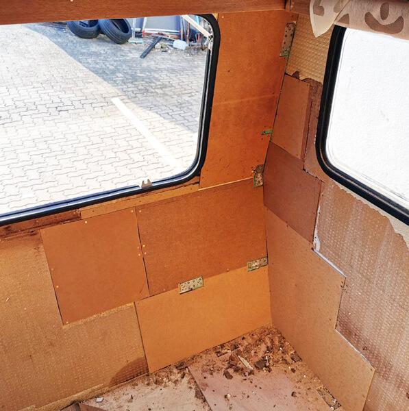 Restauration Tabbert Kornett 460TN: Innenwand an der Front fertig aufgebaut